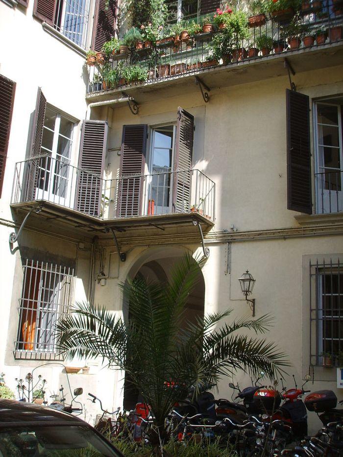 palazzo_peruzzi_via_de_rustici_retro_02